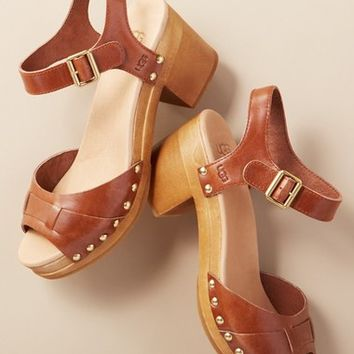 338 fashion edit-ugg janie sandal 4